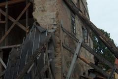 Foto 1/8: Podepřená štítová stěna
