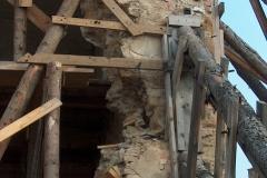 Foto 3/8: Podpůrná dřevěná konstrukce z kuláčů