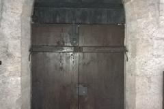 Foto 18/22: Nové vstupní dveře do bývalé konírny (vnitřní líc), 7/2015