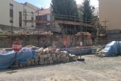 Foto 6/12: J část zdi - průběh opravy, 6/2014