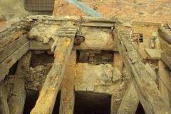 Foto 15/28: Oprava části krovu presbytáře - před opravou, 11 2012