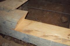 Foto 1/15: Příprava pro vložku vazného trámu 2011