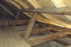 Foto 15/15: Opravený krov stříšky u hlavní věže, 1/2014