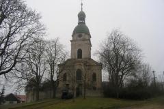 Foto 9/15: Čelní pohled na kostel v Žitovlicích