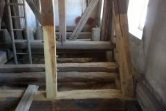 Foto 4/5: Opravené části podlahy a krovu, 5/2016