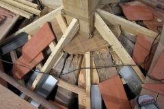 Foto 3/16: Řešení špičky osmibokého jehlanu střechy