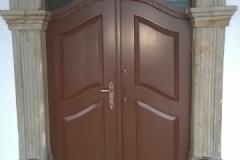 Foto 8/9: Obnovené vstupní dveře, 5/2016