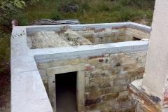 Foto 3/15: Obnovená pískovcová klenba (žb věnec není naše práce)