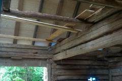Pohled ze stodoly - připravené podhledy, 8/2016
