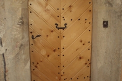 Foto 16/19: Dveře do horní části věže, 7.4. 2012