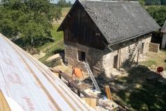 Foto 7/17: Chlívky - pohled ze střechy Roubenky, 8/2013